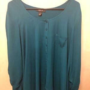 A super great blue blouse, great for every day.